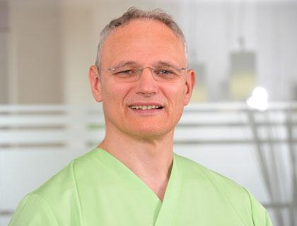 Siegfried Leder Zahnersatz Zahnschmerzen