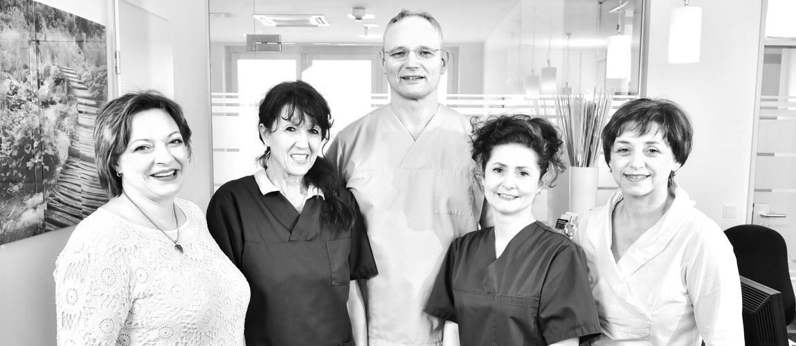 Zahnmedizin Leder Team Schmerzen Parodontologie